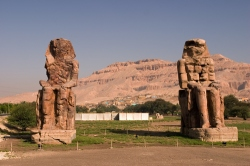 Колоссы Мемнона (Colossi of Memnon), Луксор
